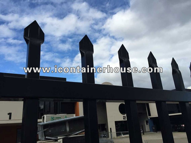 Spear Top Aluminum Fence